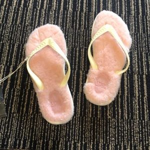 Brand new with tags uggs fur flip flops